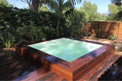 Mini-piscine 2,5 X 2,5 X 1 m avec grand banc