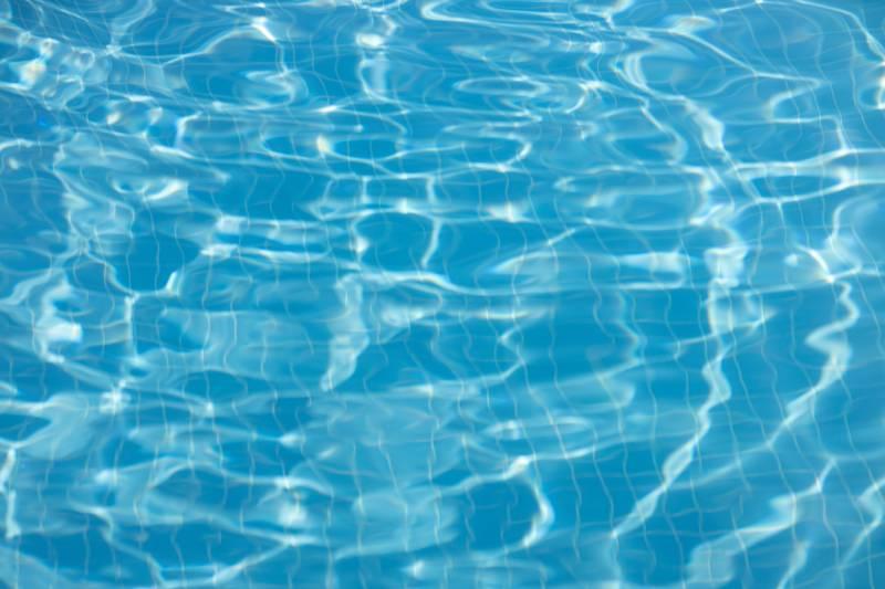 Installation de piscine polypropylène sur-mesure à Pertuis