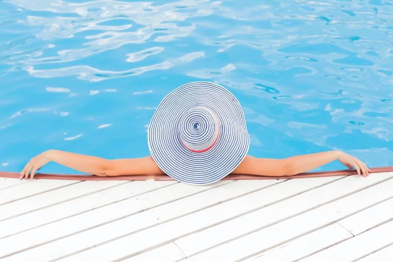 Installation de piscine polypropylène sur-mesure à Cannes